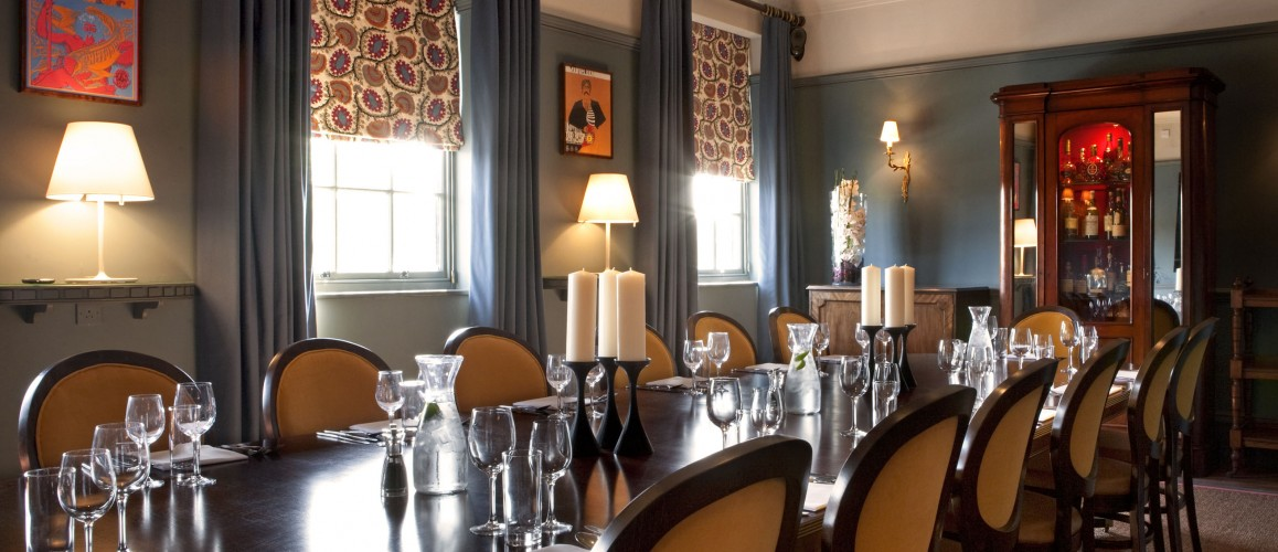 the blue room | the avalon: pub dining in clapham south, sw12